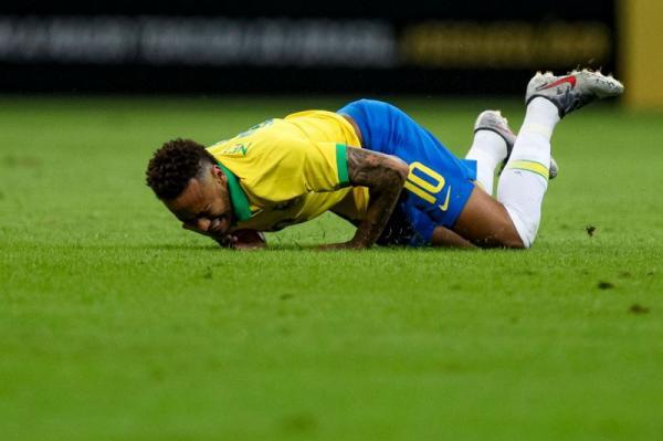 Neymar está fora da Copa América 2019.