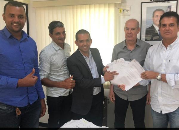 Lideranças Politica busca melhorias no abastecimento de água para localidade de Piraí do Norte