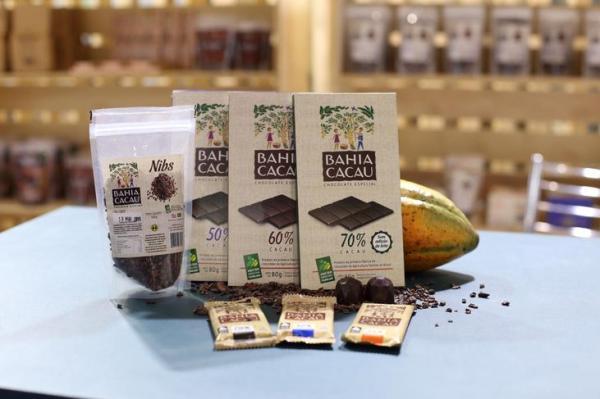 Cooperativa da agricultura familiar lança chocolate sem lactose em feira de produtos sustentáveis