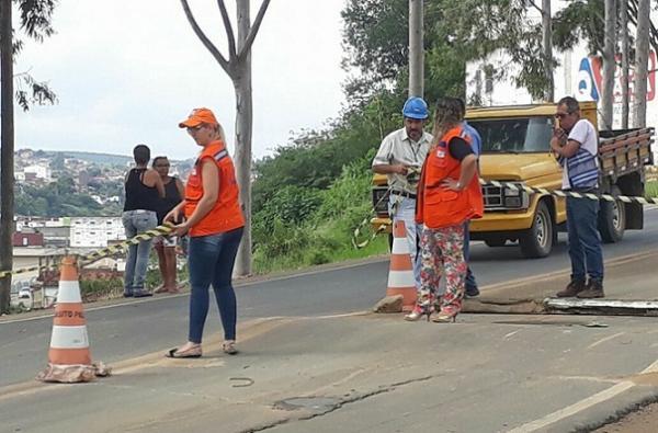 BR-420:  Vale do Jiquiriçá parcialmente interditada no perímetro urbano do município de Jaguaquara