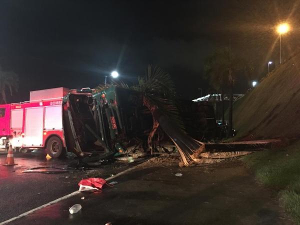 Salvador: Ônibus cai de uma altura de 10 metros e deixa 27 feridos