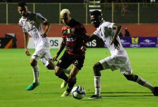 Vitória e ABC empatam no Barradão