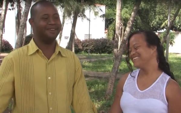Casal com síndrome de Down se casa na Bahia: 'Quero construir minha família', diz noivo