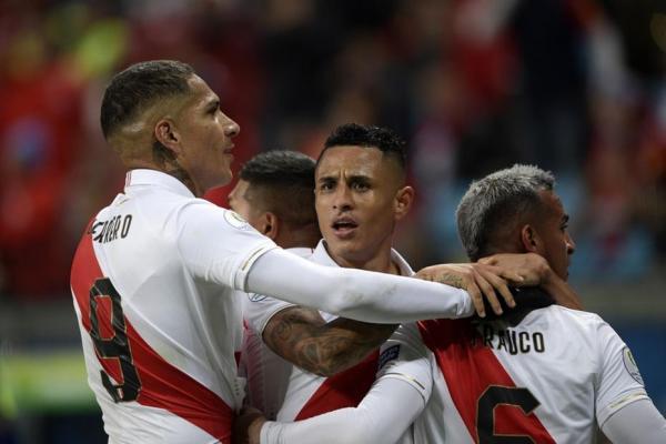 Peru encara o Brasil na final