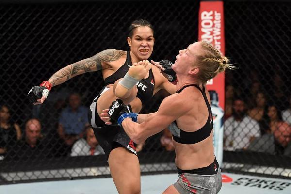 Baiana, Amanda Nunes entra para a história do MMA