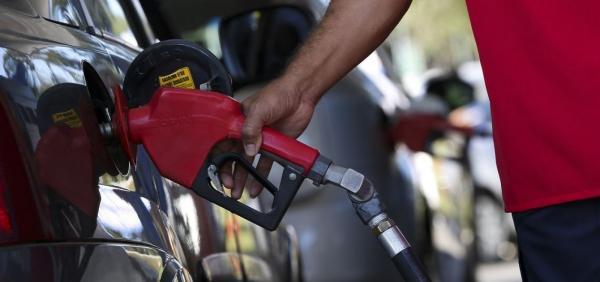 Petrobras reduz preço da gasolina e óleo diesel nas refinarias