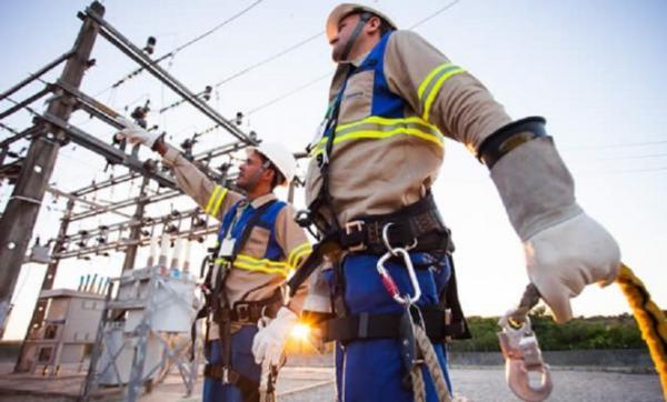 Coelba oferece curso gratuito de eletricista na Bahia