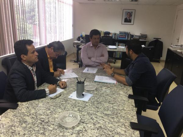 Após cobranças do Prefeito, EMBASA anuncia investimentos de mais de R$ 1 milhão em Gandu.