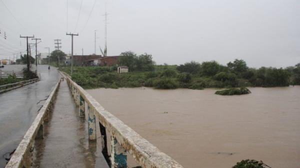 Chuva volta a cair em Coronel João Sá e deixa moradores em alerta