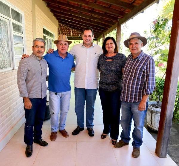 Nelson Leal viaja ao Oeste, visitando os municípios de Santa Maria da Vitória, Canápolis, Coribe e Cocos