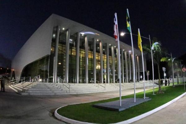 Itabuna: Teatro Municipal é inaugurado