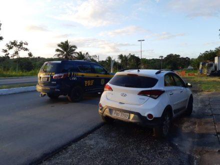 Gandu: PRF recupera veículo roubado usando placa clonada