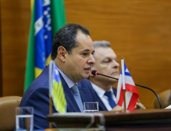 Em Aracaju, no encontro de Assembleias Legislativas do Nordeste, Nelson Leal diz que é 'hora de bombeiros e não de incendiários'