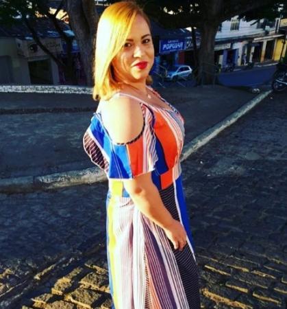 Maquiagem e moda: saiba quem é Erika, digital influencer que tem agitado as redes sociais