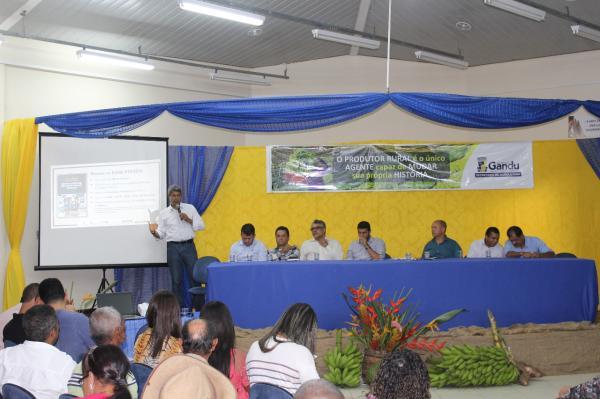 """Agricultores ganduenses são beneficiados com projeto """"Bahia Produtiva""""."""