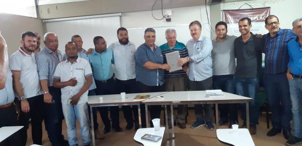 Teolândia: Prefeito Lázaro participa de Seminário em Ilhéus