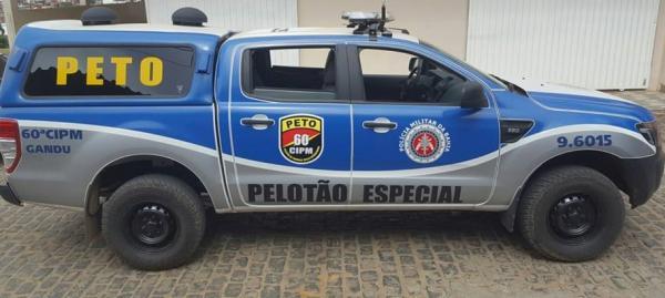 Bandido rouba moto e celular em Gandu