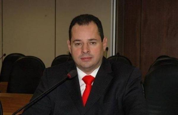 """Nelson Leal diz que que questão amazônica requer reação  rápida do governo brasileiro para """"estrago não ser pior"""""""