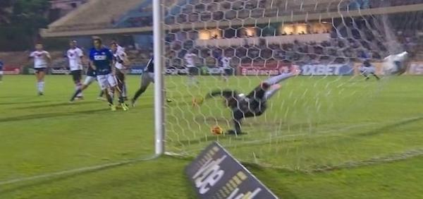 Vexame: Vitória perde para lanterna São Bento por 2 a 0