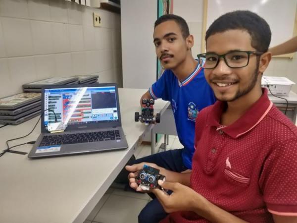 Alunos de Jequié apresentam projeto de robótica em São Paulo