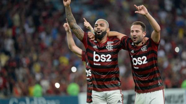 Flamengo enfrenta o São Paulo em busca da 9ª vitória seguida