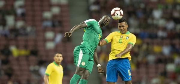 Brasil joga mal e empata em 1 a 1 com Senegal em amistoso