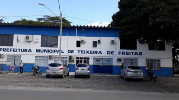 Ex-prefeito terá que devolver mais de R$ 140 mil por irregularidades em pregão