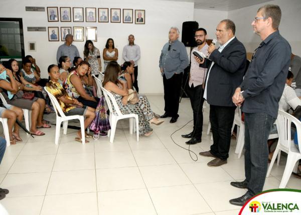 Prefeitura, Caixa Econômica e Projeto Construir entregaram 126 novas casas para família carentes.