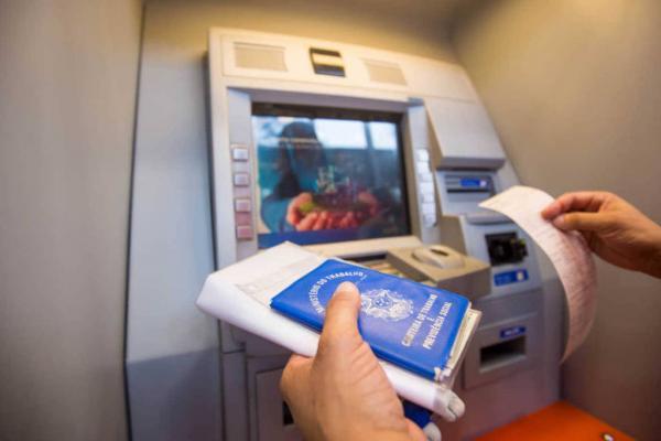 Saques dos R$ 500 do FGTS para não clientes começam na sexta; agências abrirão mais cedo
