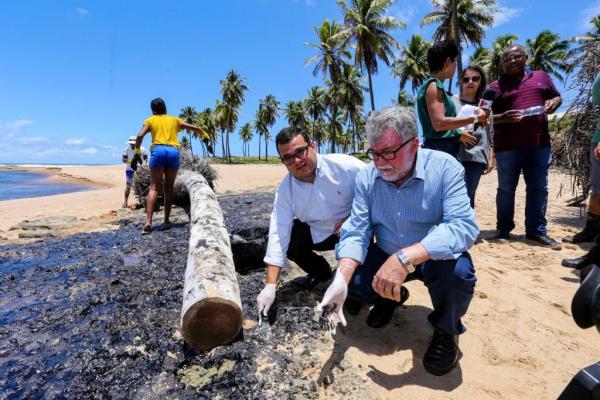 """""""Manchas de óleo continuarão nas praias do Litoral Norte durante o Verão"""", diz Alex Lima, presidente interino da ALBA"""