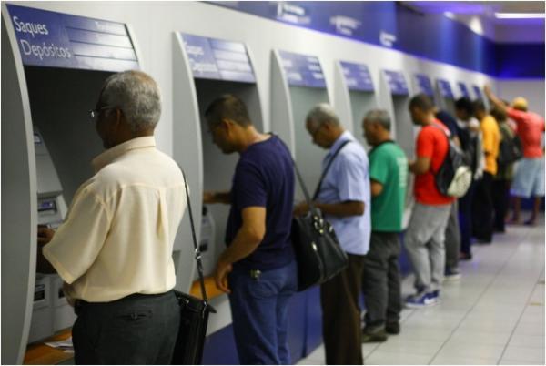 Caixa antecipa saque de R$ 500 do FGTS