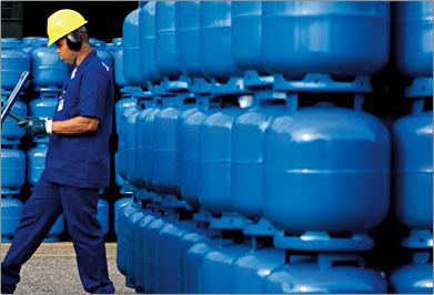 Petrobras aumenta em 4,7% o preço do GLP empresarial nesta terça (27).