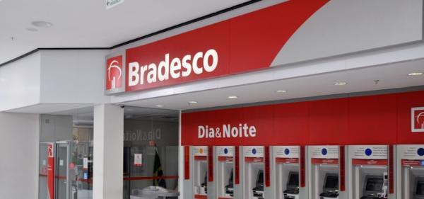 Bradesco planeja fechar 450 agências até 2020