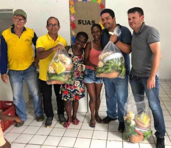 Prefeitura de Teolândia distribui mais de 280 cestas do PAA todo mês a famílias de baixa renda.