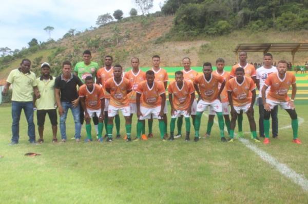 Dois grandes jogos marcaram o fim de semana do  'Campeonato de Teolândia de Futebol'.