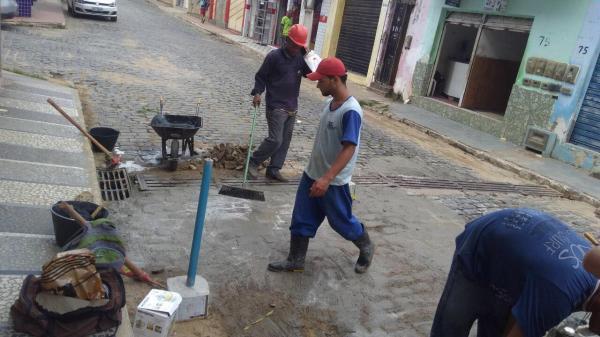 Secretaria da Infraestrutura de Gandu realiza obras de recuperação de ruas da cidade.