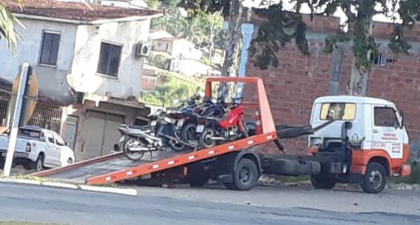 Operação da PRF apreende motos irregulares em Wenceslau Guimarães