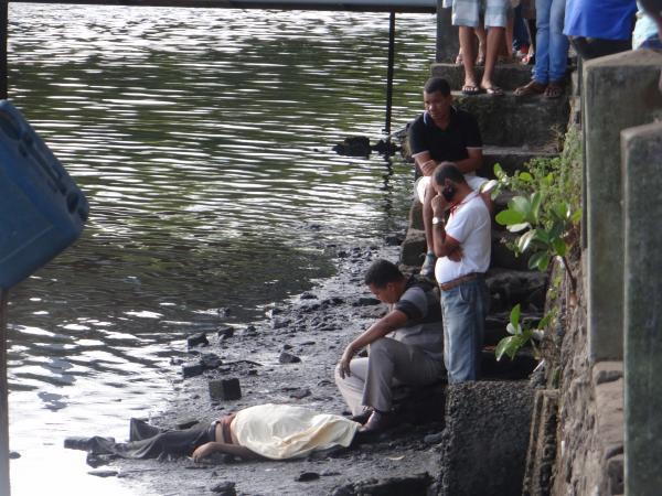 Homem é encontrado morto no Rio Una, em Valença.