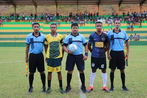 Rodada de grandes jogos e muitos gols no campeonato de futebol de Teolândia.