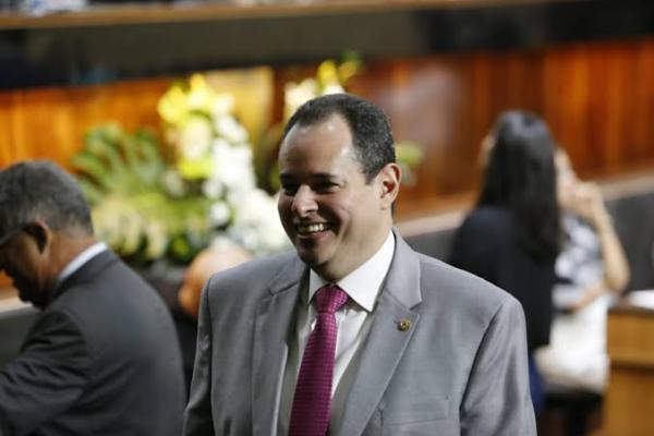 Nelson leal é eleito destaque parlamentar de 2019