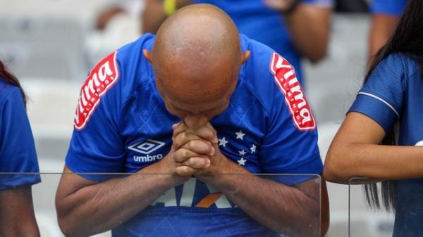 Cruzeiro perde para o Palmeiras e está rebaixado à Série B