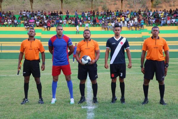 Flamengo e Vasco se enfrentam na Grande Final do Campeonato de Teolândia