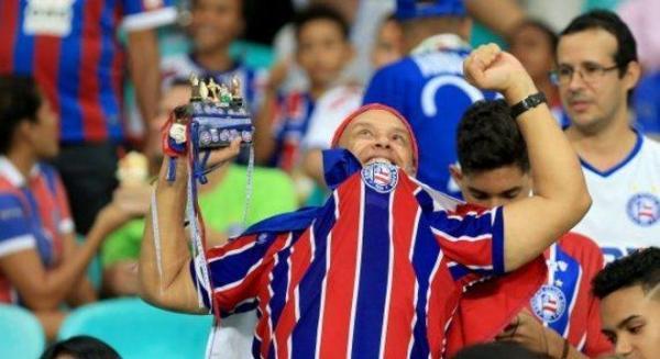 Chegada de time do Bahia à Fonte Nova viraliza na internet