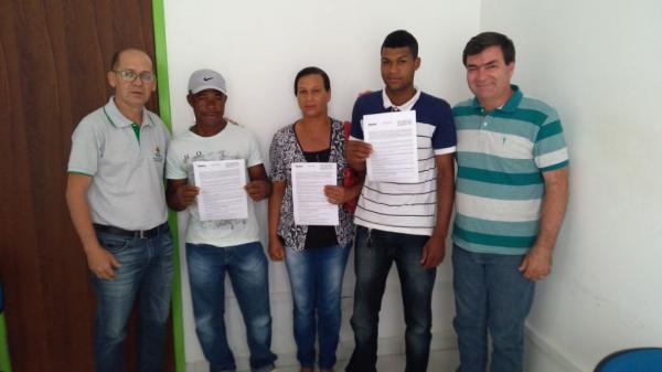 Prefeitura de Valença através da secretaria de agricultura inicia entrega dos CEFIR a agricultores familiares