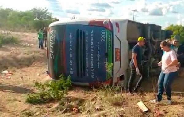 Acidente na BR-116 deixa quatro mortos e várias feridos