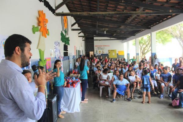 Prefeito Leonardo Cardoso participa de evento na APAE, em comemoração a Páscoa.