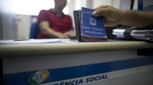 Beneficiários do INSS que ganham salário mínimo recebem R$ 1.039 a partir de segunda (27)