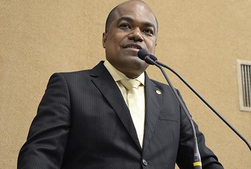 Samuel Júnior quer suspensão de cobrança de pedágio em caso de congestionamento