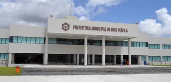 TCM constata irregularidades na contratação de pessoal em Dias D'Ávila