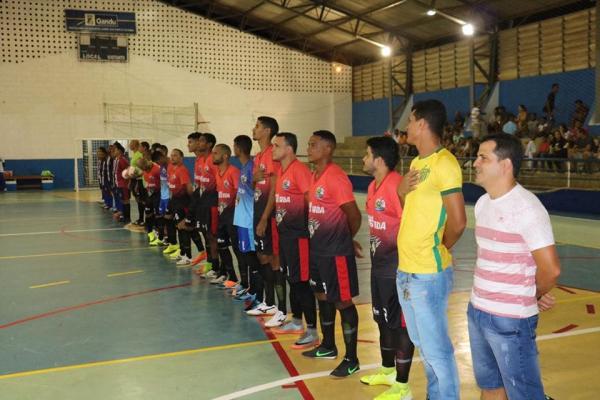 """Goleada marca abertura do """"Ganduzão de Futsal"""""""